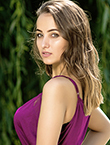 Photo of beautiful  woman Aliona with brown hair and brown eyes - 25340